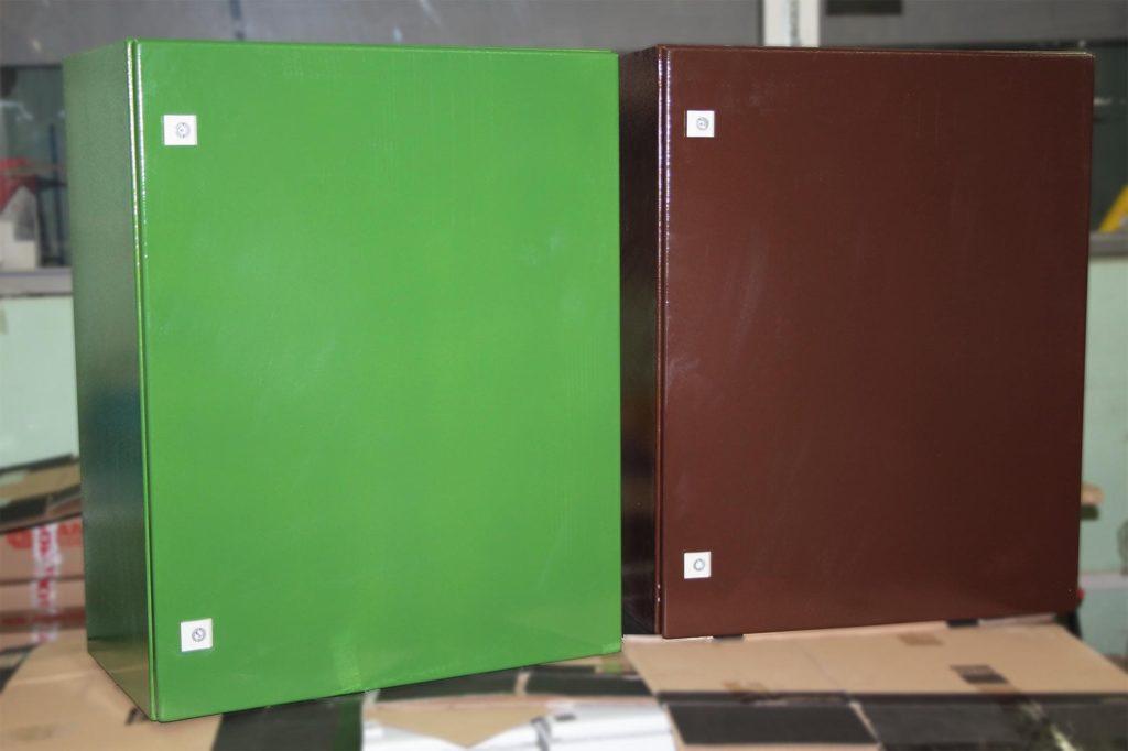 Термошкафы на базе металлических корпусов Rittal в цветах RAL6032 и RAL8017. Порошковая покраска